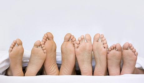 feet690x400.jpg