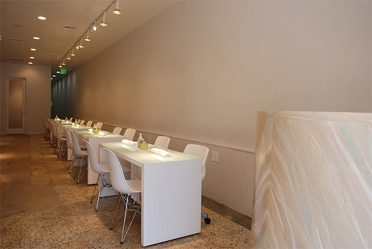 Love nail salon manicure stations for Salon 500 orly