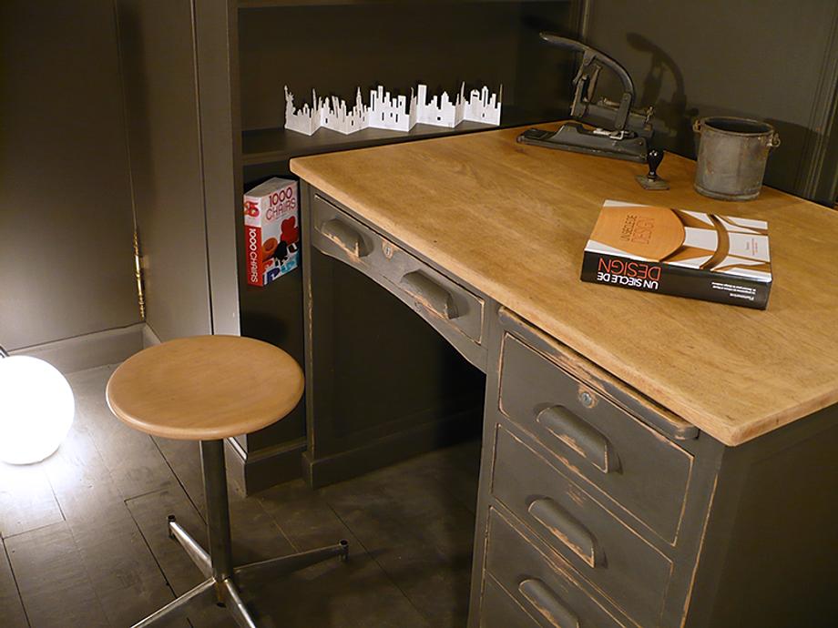 artchiarty bureau vintage marseille. Black Bedroom Furniture Sets. Home Design Ideas