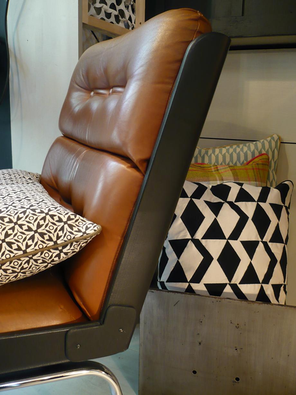 fauteuil vintage artchiarty marseille. Black Bedroom Furniture Sets. Home Design Ideas