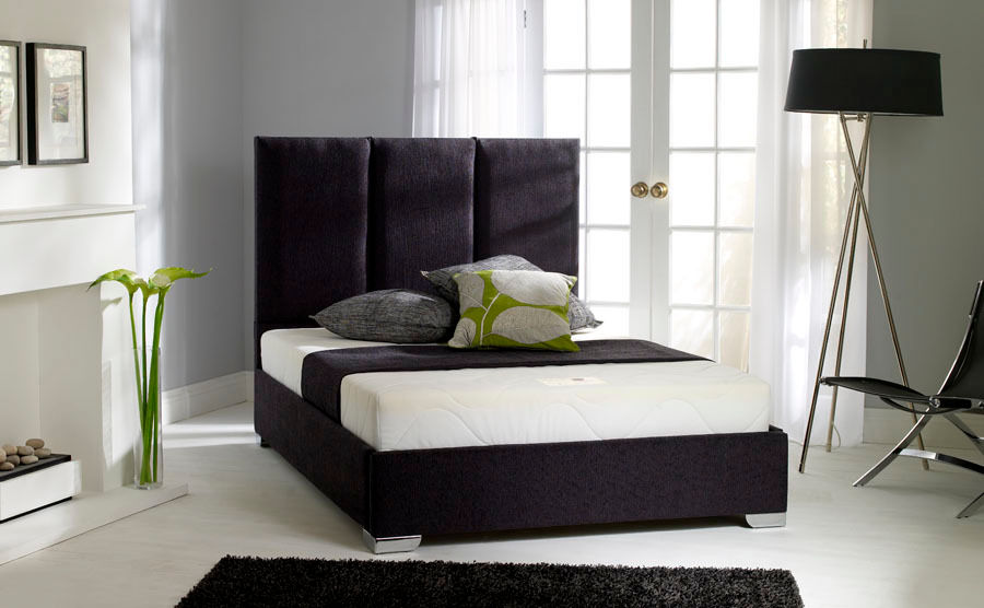 LUTA HAND CRAFTED BED