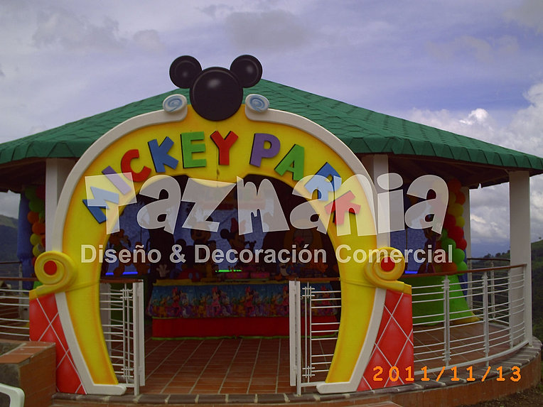 Decoraci n de la casa de mickey mouse en globos imagui for Decoracion la casa de mickey mouse