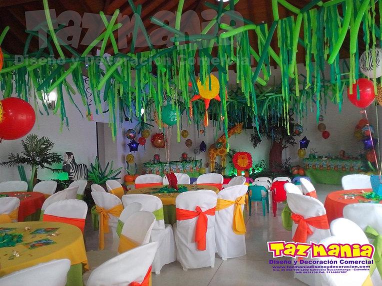 Tazmania diseño y decoración comercial. Decoración en Icopor.