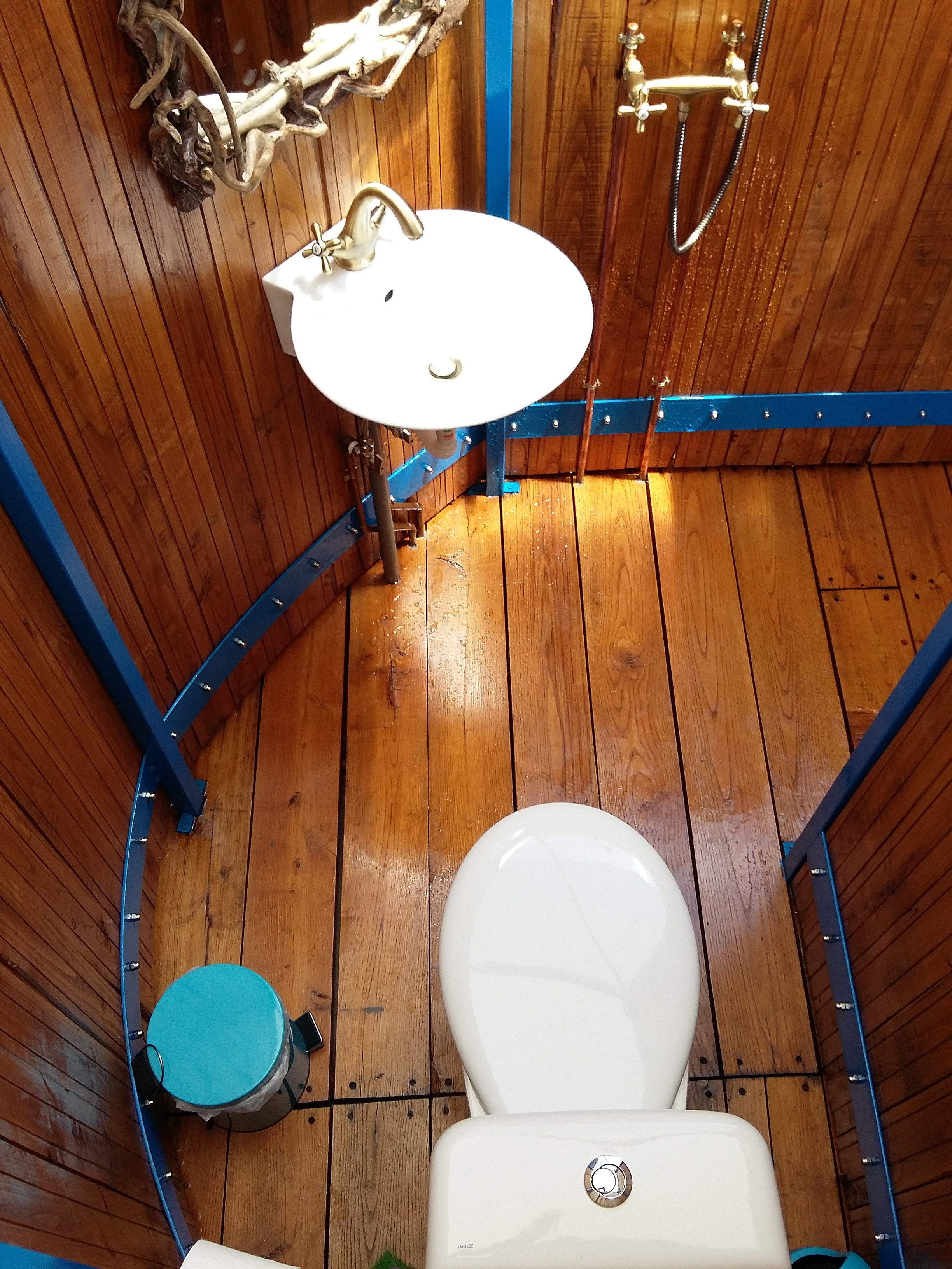 Camping Ouranoupoli | private toilet and bathroom