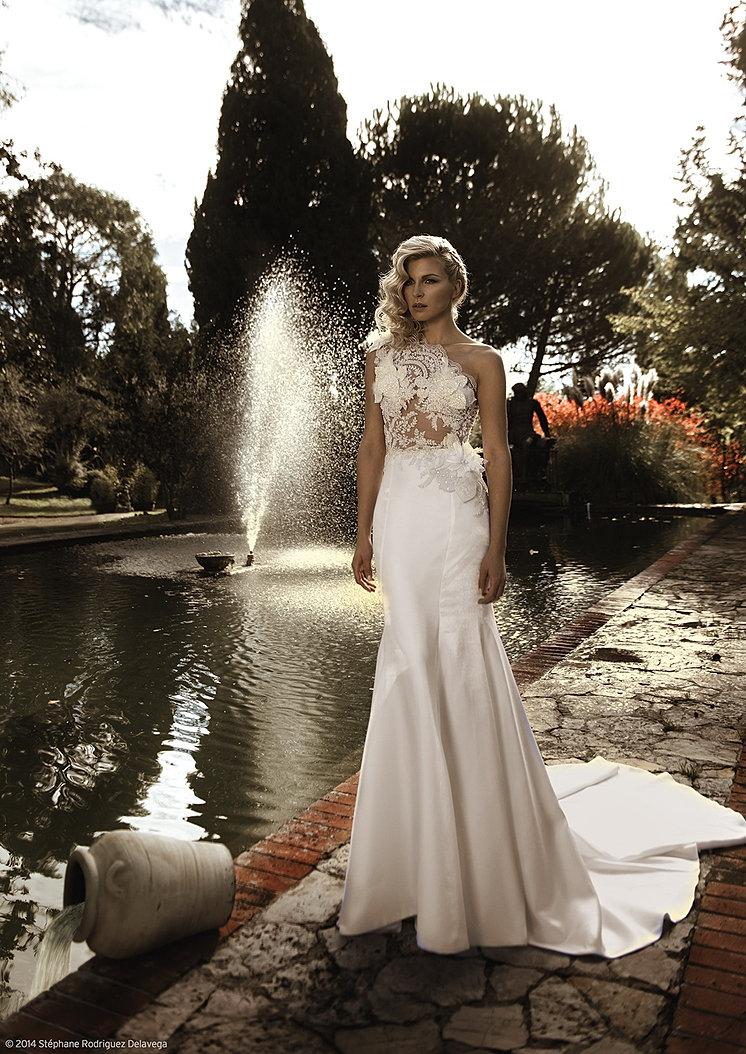 réatrice de robes de mariée et de robes du soir