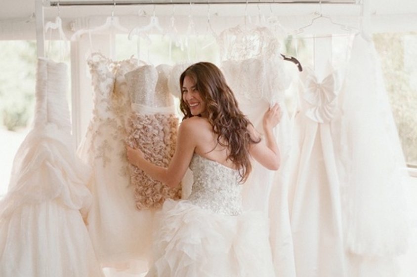 Resultado de imagen de elegir vestido de novia