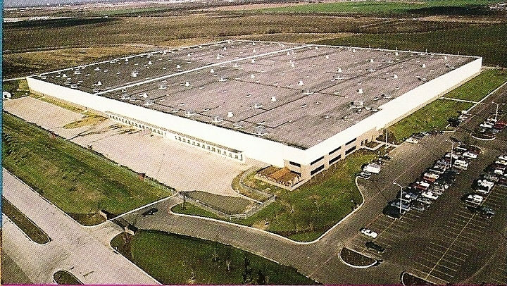 Tolley and lowe paint contractors and retail center for General motors service center