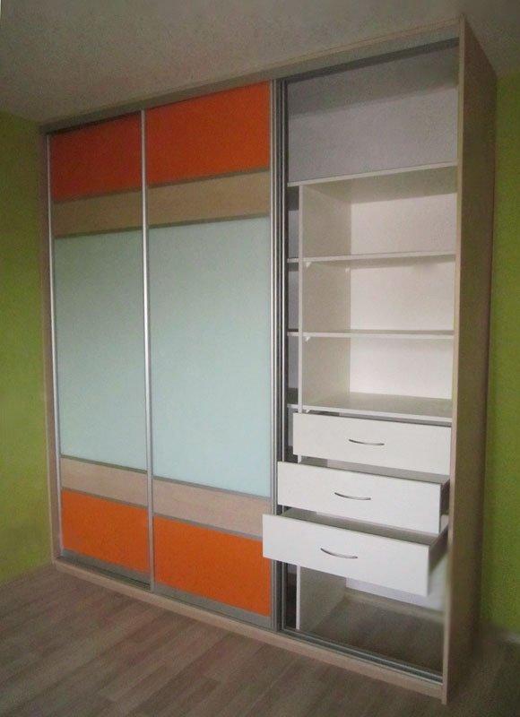 Двери-купе для встроенного шкафа лдсп, оракал, матовое стекл.