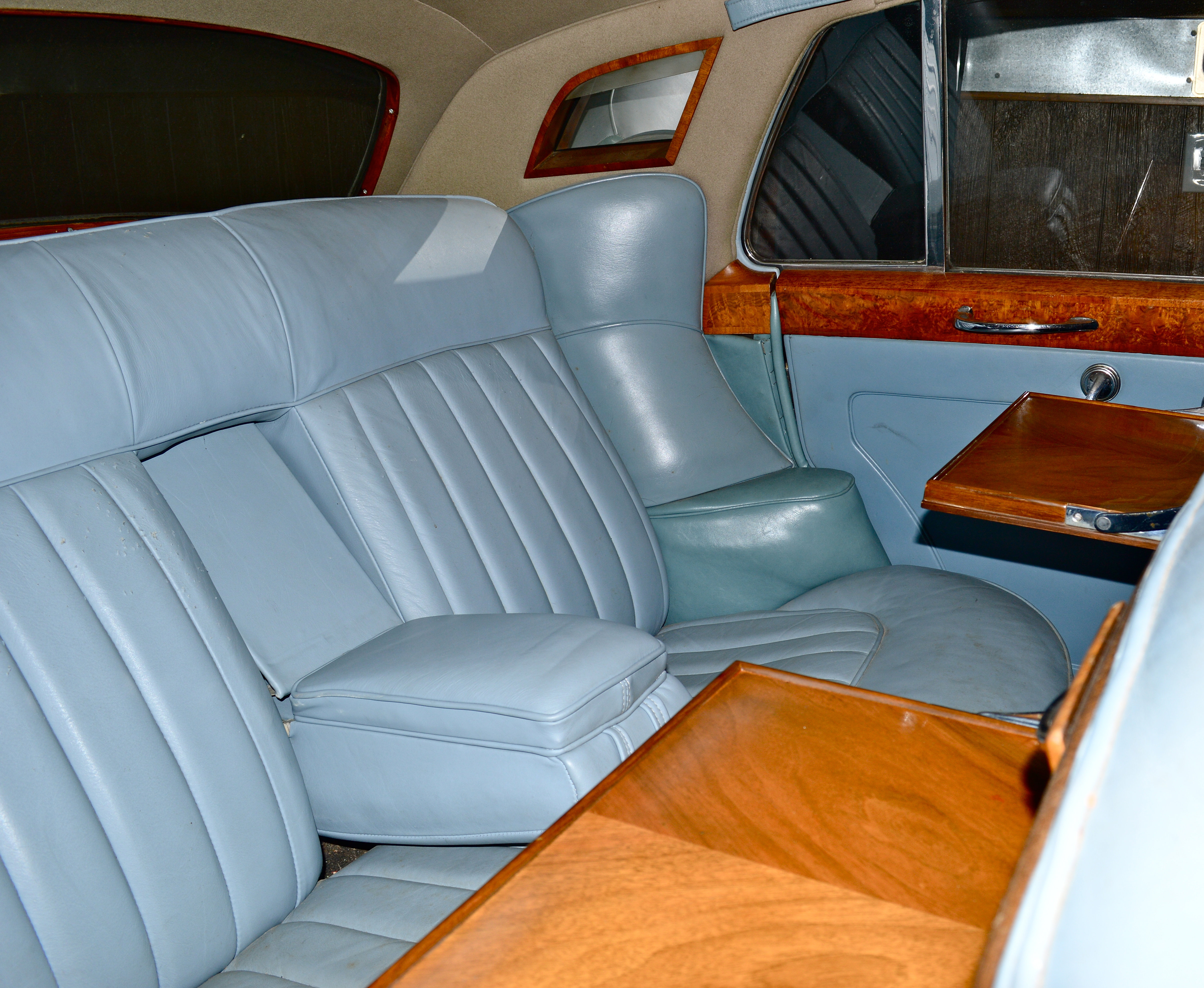 First Class Limo 1960 Rolls Royce Silver Cloud
