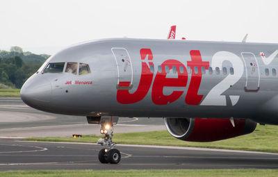 Jet2 757.jpg