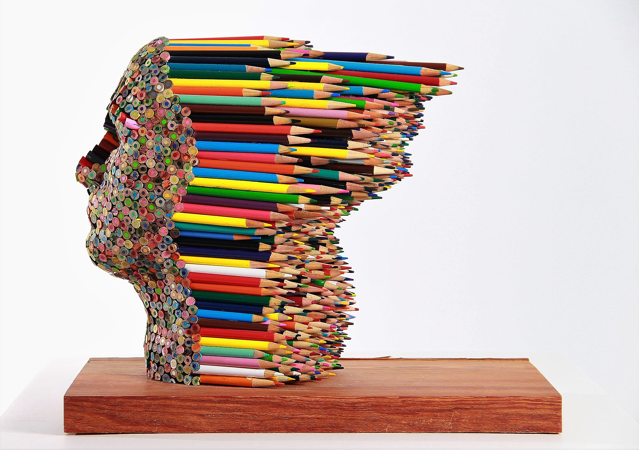 Molly Gambardella , Color blind Sculpture #artpeople