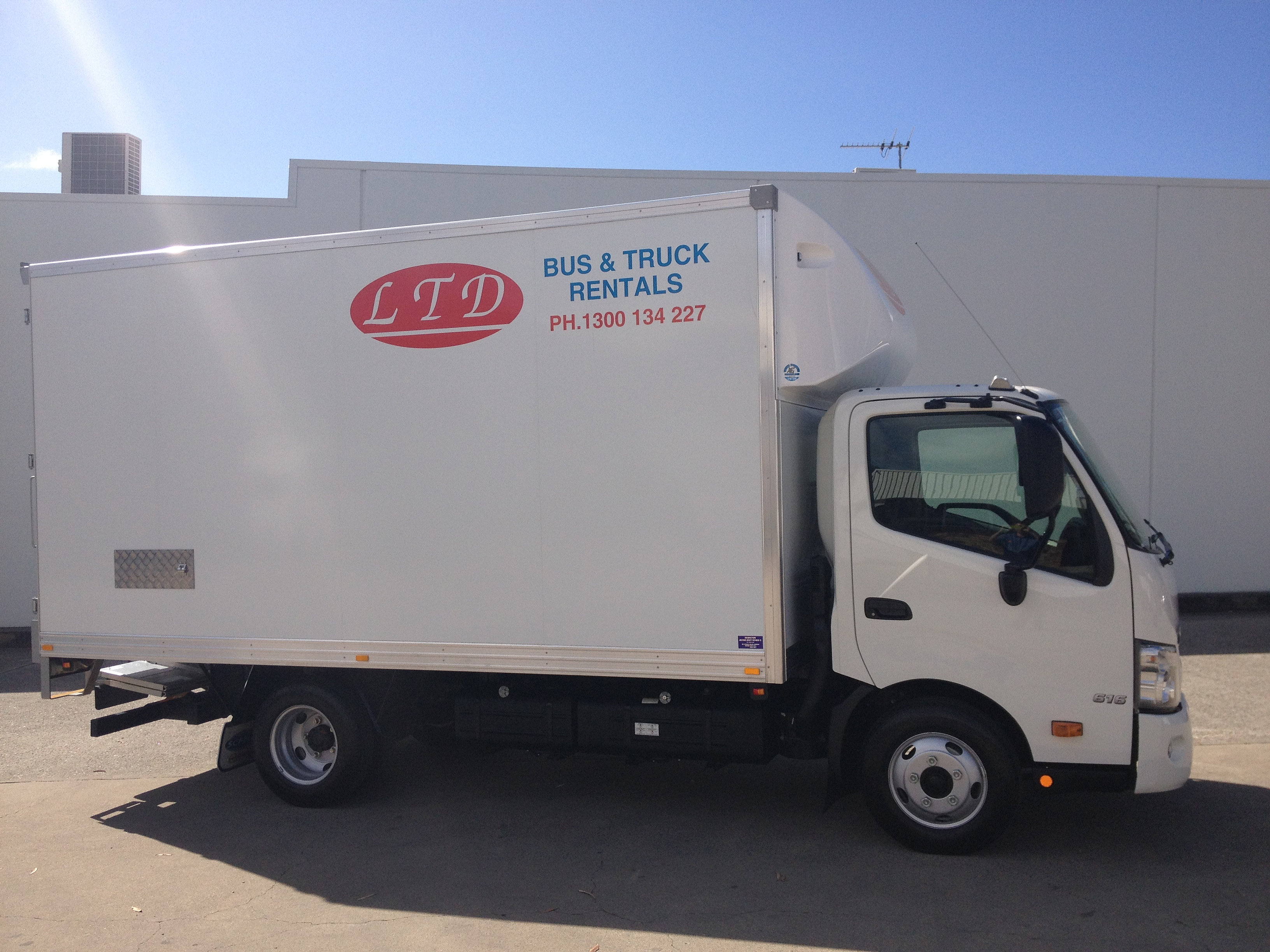 Get quotes for unlimited miles, one way moving truck rental for your long distance move. It's cheaper and convenient to return the truck at destination.