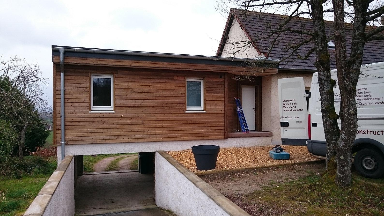 Constructeur fabricant de maisons bois en auvergne for Constructeur maison contemporaine auvergne
