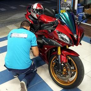 Limpieza-Moto-en-accion.jpg