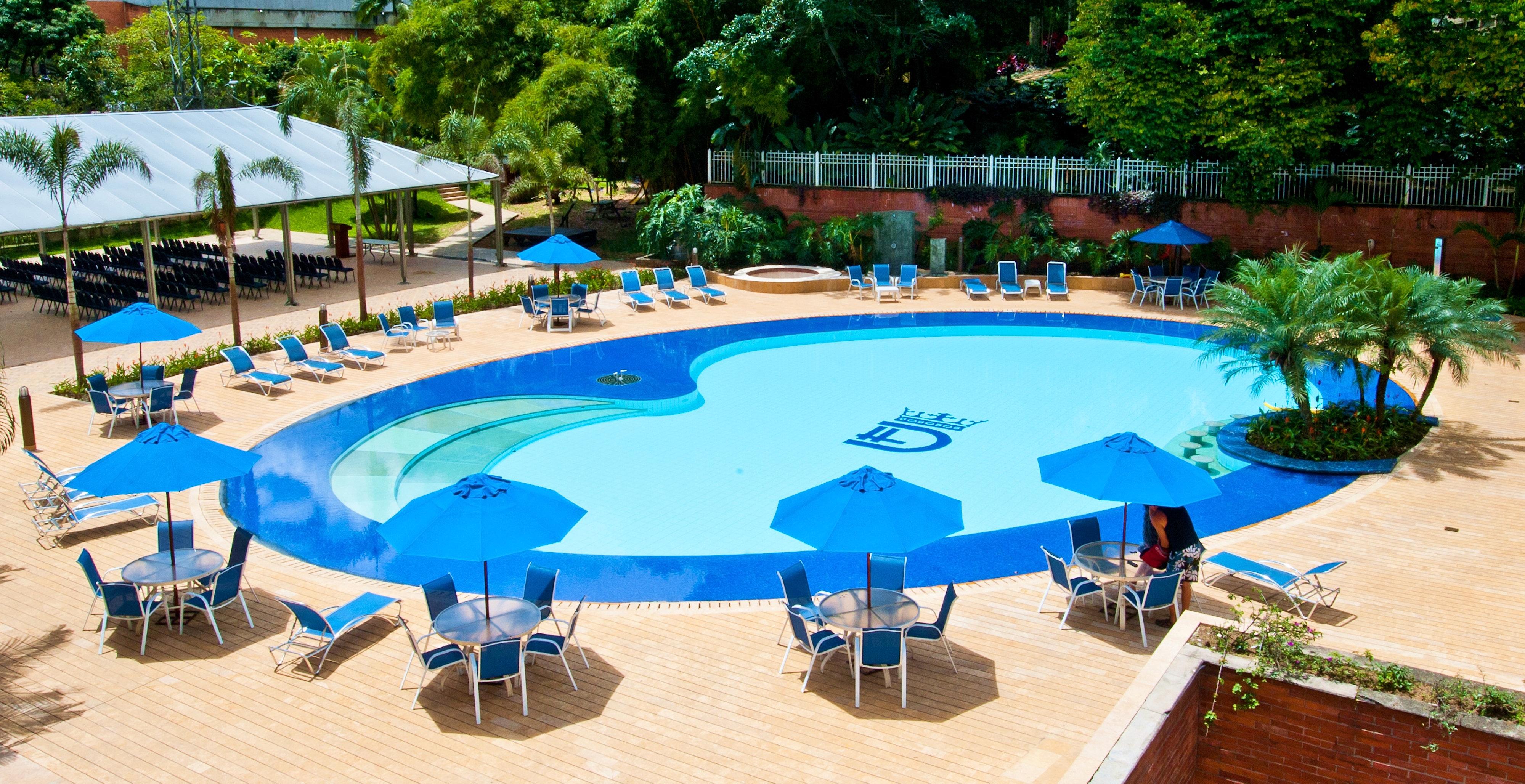 Hoteles en medellin 5 estrellas hotel dann carlton for Hoteles en portonovo con piscina