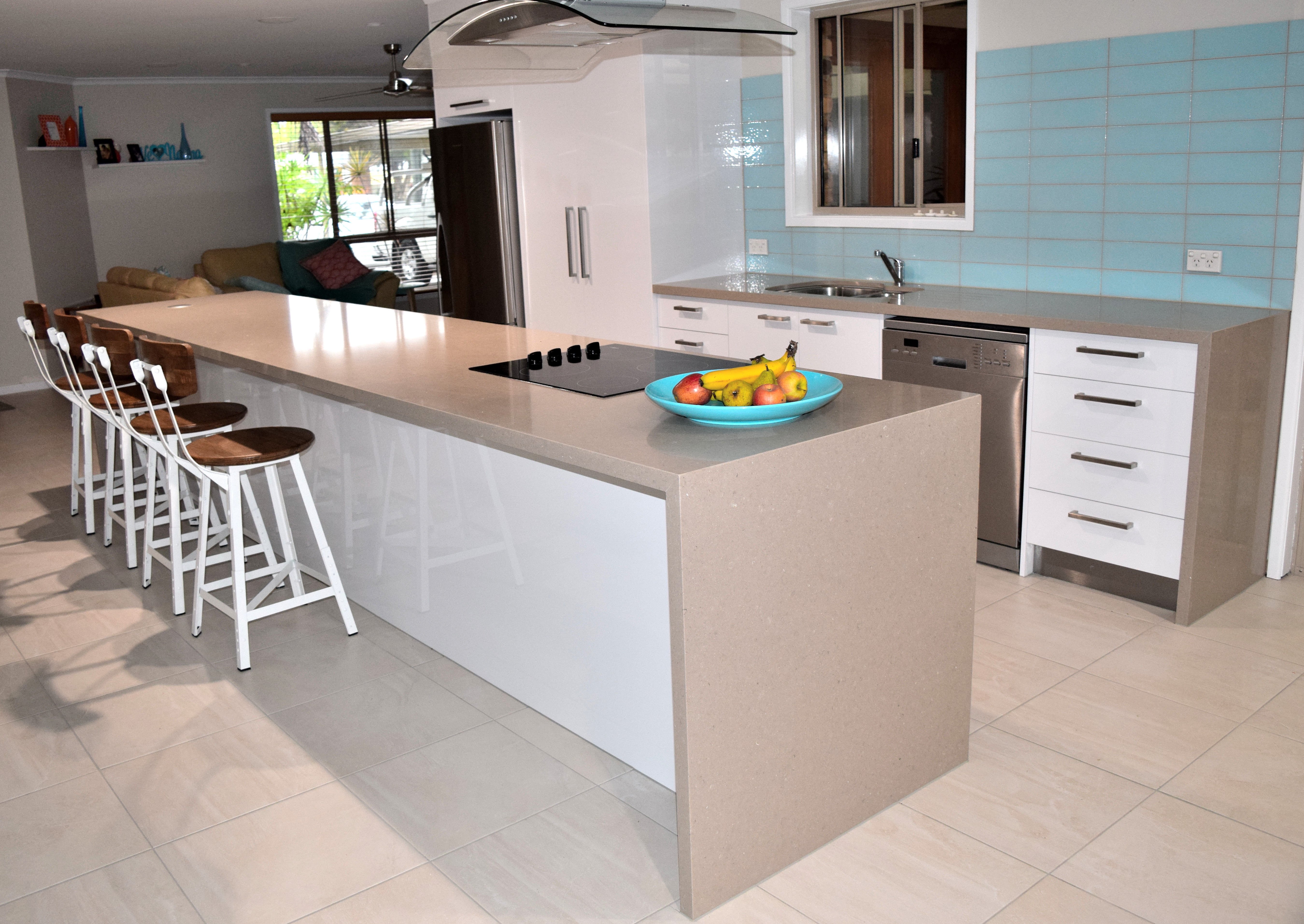 Instyle custom kitchens quality kitchens vanities and for Quality kitchens