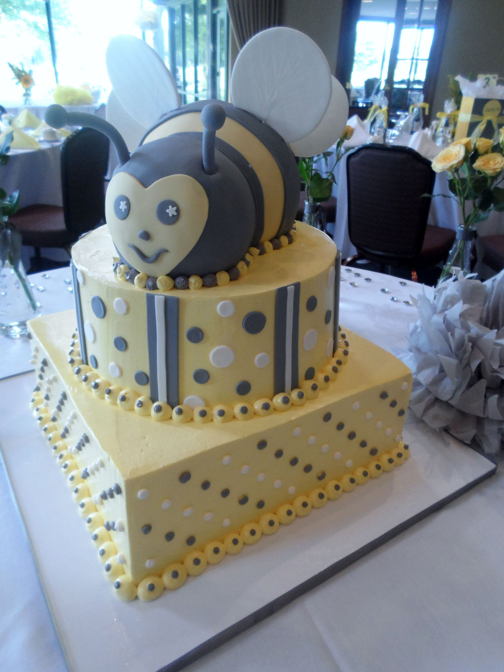 Dessert Menu Wedding Cakes Fondant Cupcakes Bumble Bee Baby Shower Cake Ptc Cofo Choice