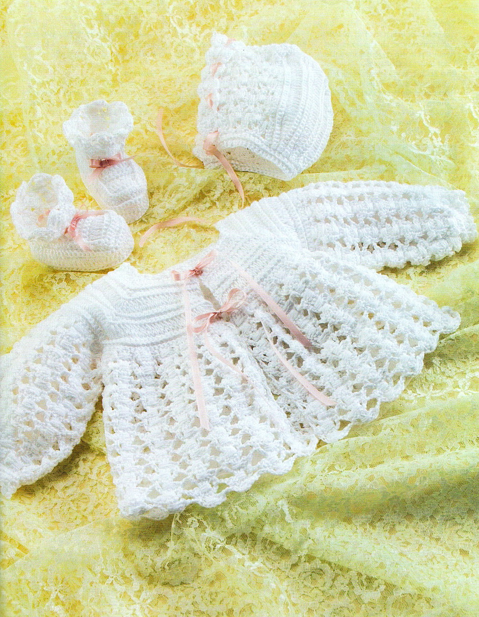 Комплект для новорожденного вязанием крючком 103