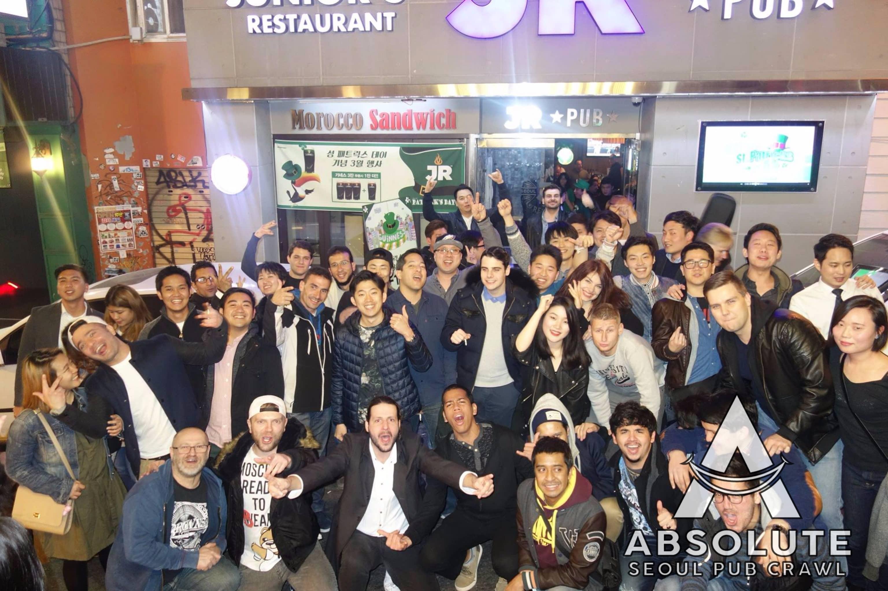 Seoul pub crawl Absolute Korea Hongdae Itaewon Gangnam International Party bar hopping crawlers tour