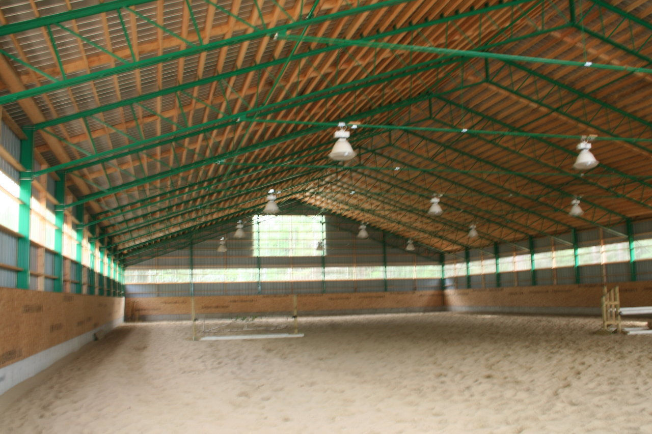 Ecurie st lazare quebec canada for Manege interieur