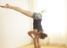 events_acroyoga650_460.jpg