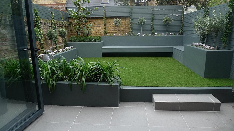 Anewgarden modern garden design for Contemporary courtyard garden designs