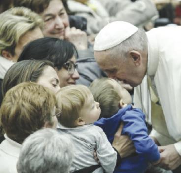 La Chiesa taglia i costi per superare la sua crisi