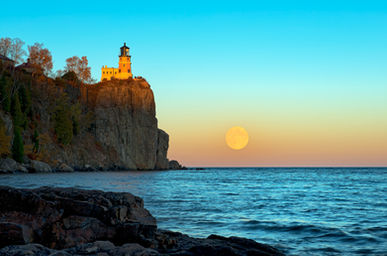 Split-Rock-Moon-Rise.jpg
