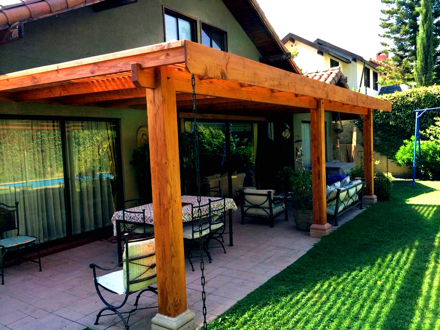 Renovaci n de espacios p rgolas quinchos cortavistas y - Pergolas para terrazas ...