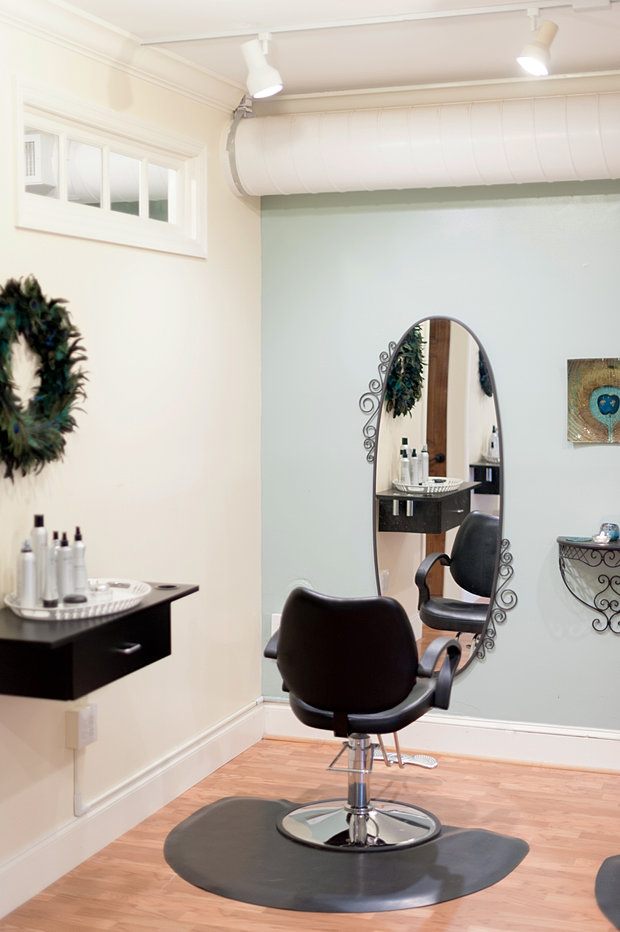 Jolie Salon : Jolie day spa and salon