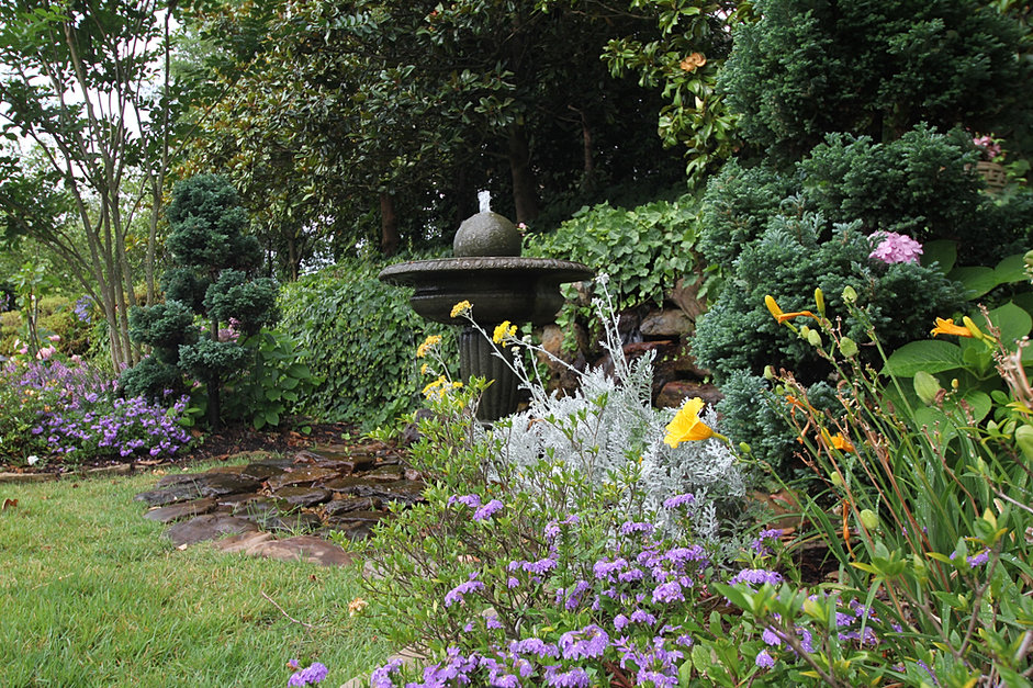 Little rock land design by joe barnett for Land design landscaping