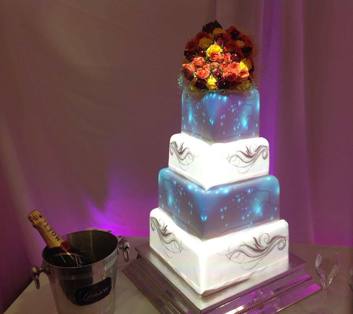 projection mapped wedding cakes uk. Black Bedroom Furniture Sets. Home Design Ideas