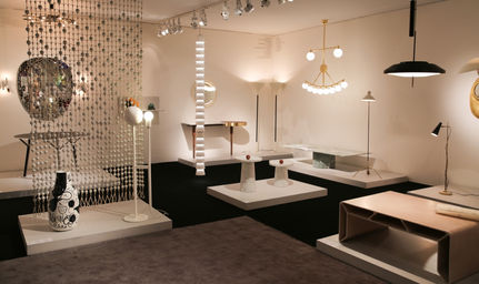 refined youth finds the salon art design - Salon Moderne But