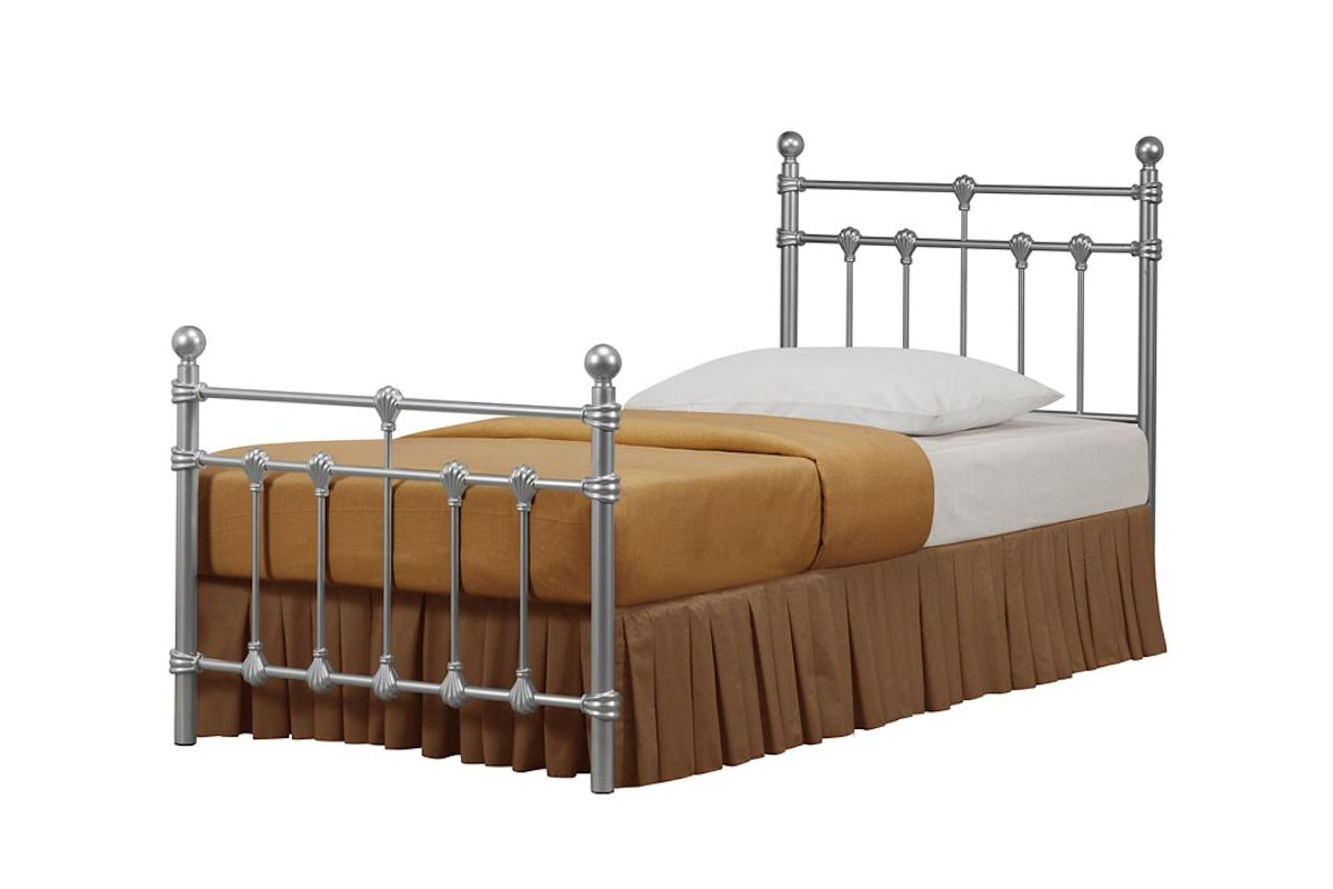 Traditional Vintage Style Metal Bed In Black Or Ivory 3ft