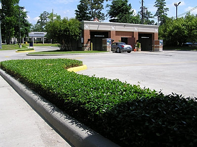 Shiners car wash 4020 rustic woods drive kingwood tx shiners car wash entance in the center of kingwood automatic bay entrance solutioingenieria Gallery