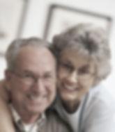 Ouder MF paar met glazen