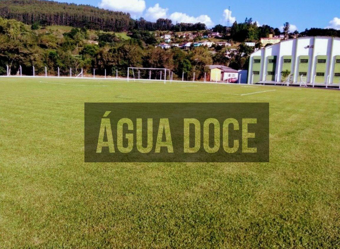 Quatro equipes disputam as semifinais do Campeonato Municipal de Futebol de  Campo de Água Doce neste domingo (22)  f9a85e83c0f1f