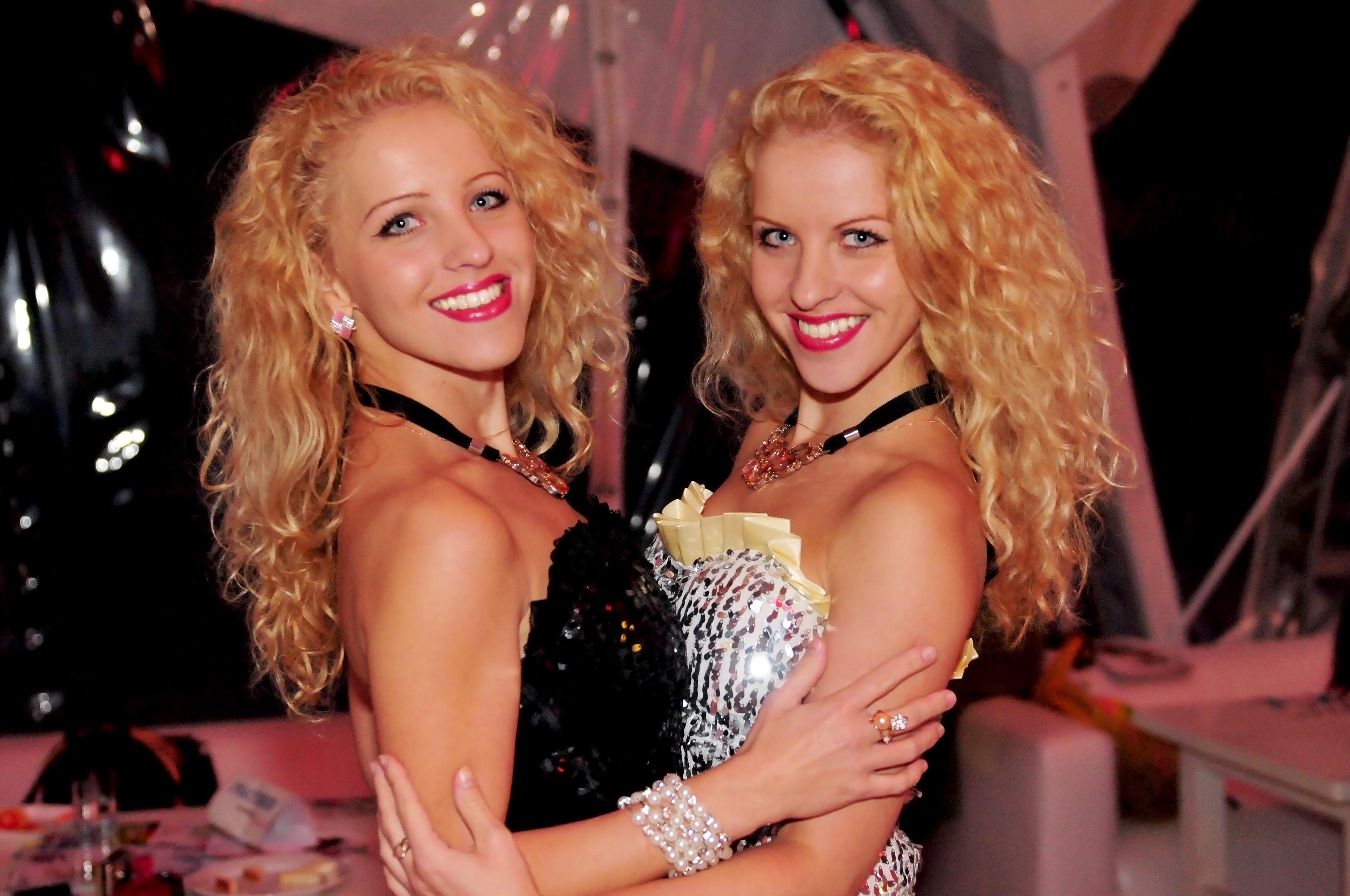 Русские сестра близняшки бесплатно 10 фотография