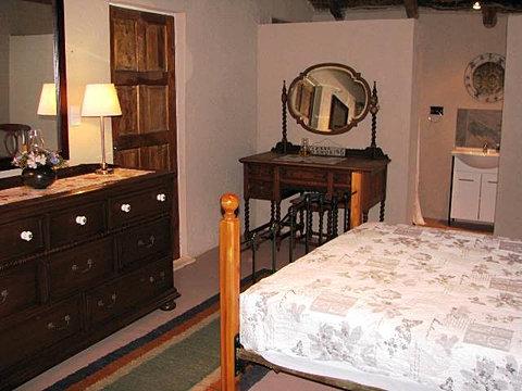 Lodge Accommodation near Pretoria (5).JPG