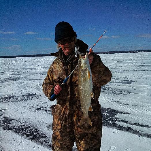 Keweenaw charter fishing co ice fishing for Lake superior fishing charters