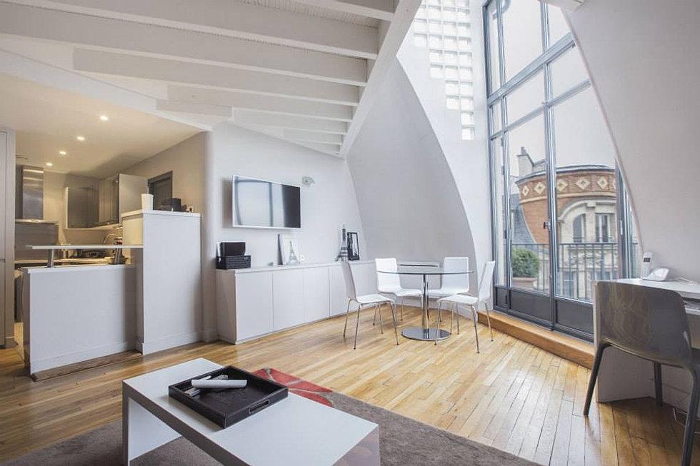 atelier d 39 artiste. Black Bedroom Furniture Sets. Home Design Ideas