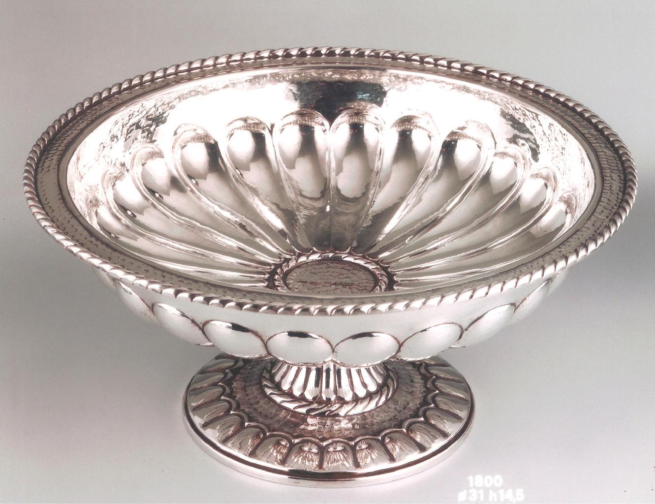 Argenteria scaffei firenze argenteria firenze per la - Centrotavola argento moderno ...