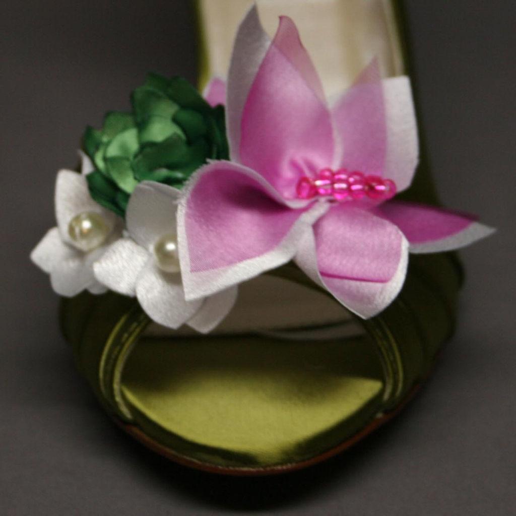 Design Your Pedestal Custom Wedding Shoes