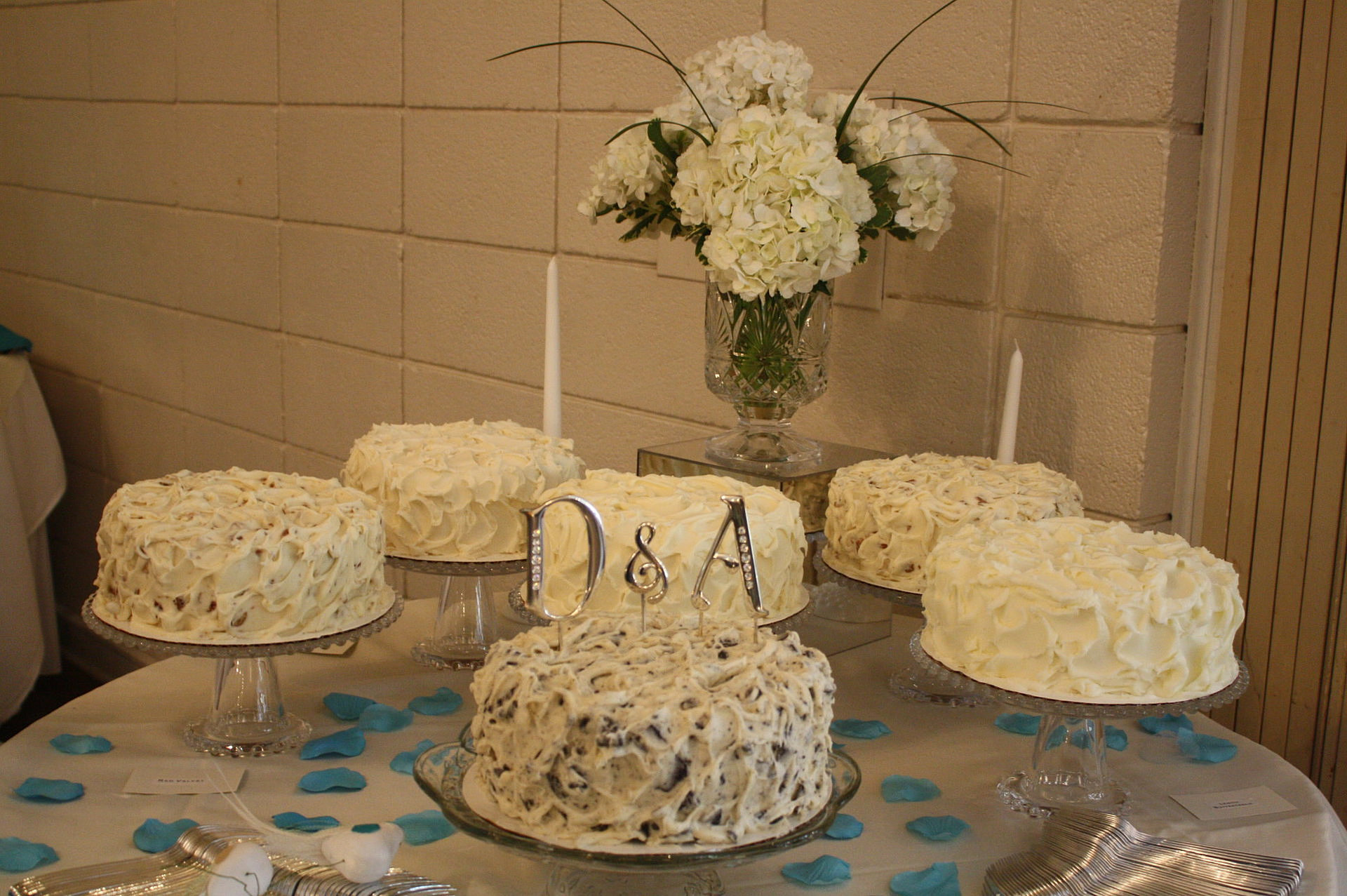 Sweetleighs Cakes And Treats Florence Sc Wedding Cake Table 2