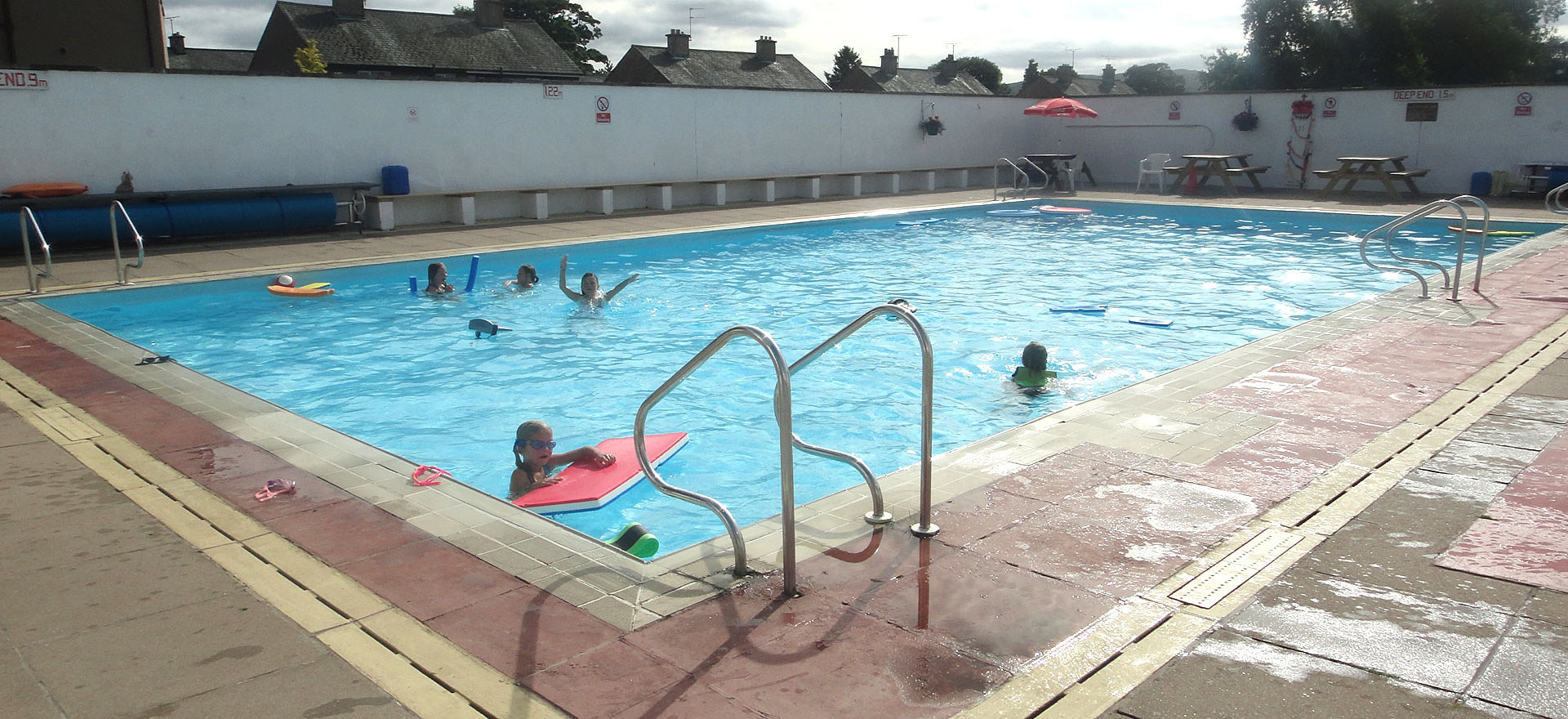 Welcome to shap outdoor swimming pool kids having fun for Outdoor pools open