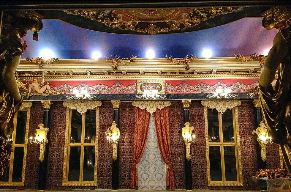 Ballroom-entrance