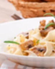 tagliatelles champignon magret shutterst