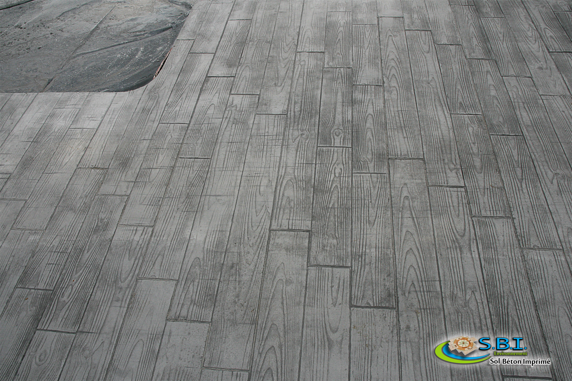sbi sol b ton imprim nevers le b ton d coratif durable terrasse b ton imprim. Black Bedroom Furniture Sets. Home Design Ideas