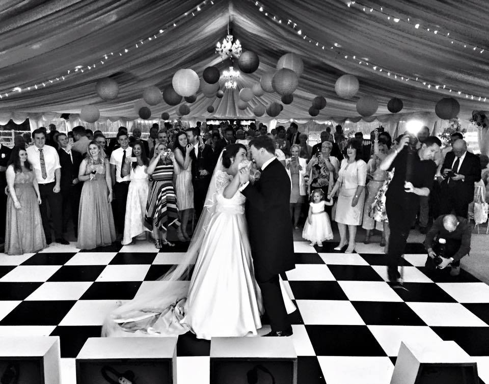 Tips For Booking Your Wedding Band Manchester 2017