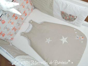 tour de lit gigoteuse 0 6 ms renards toiles les p 39 tites merveilles de b r nice. Black Bedroom Furniture Sets. Home Design Ideas